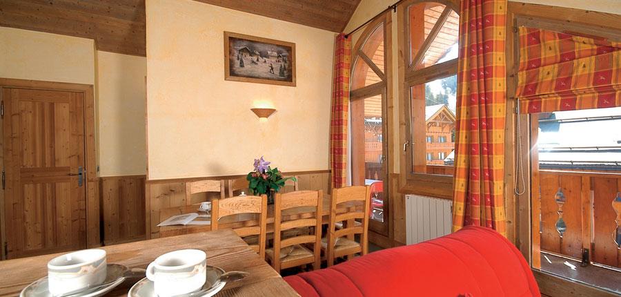 france_three-valleys-ski-area_meribel_eterlou-apartments_living-area4.jpg